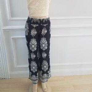 Pull-on wide leg pants